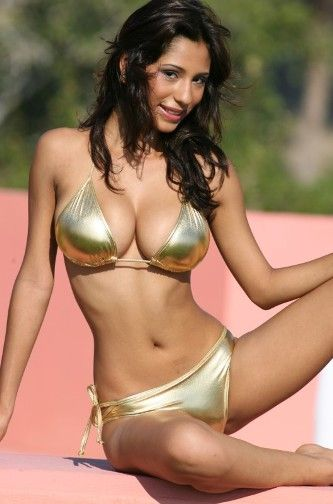 Teen Bikini Peek 27