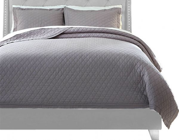 Ashley Q760013K Alecio Series King Quilt Set, Gray Color, Set Includes 1 Quilt And 2 Standard Shams, Made Of Cotton, 200 Thread Count, Diamond Machine Quilting, Machine Washable, Dimensions 108