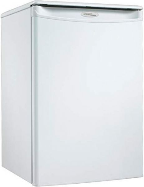 Danby DAR026A1WDD Designer Series Compact Refrigerator, 2.6 cu. ft. capacity, Energy Star compliant, Automatic defrost, Mechanical thermostat, Scratch resistent worktop, Integrated door handle, Reversible door hinge, Smooth back design, Compact counter-top all fridge, Tall bottle storage for soda bottles, CanStor beverage dispensing system, UPC 067638998994, White Finsih (DAR026A1WDD DAR-026A1-WDD DAR 026A1 WDD)